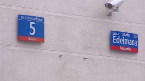 Jeden budynek, dwie różne tabliczki. Zamieszanie po dekomunizacji