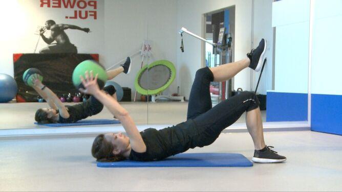 Ćwiczenie na mięśnie pleców i pośladków. Gdy bolą lędźwia