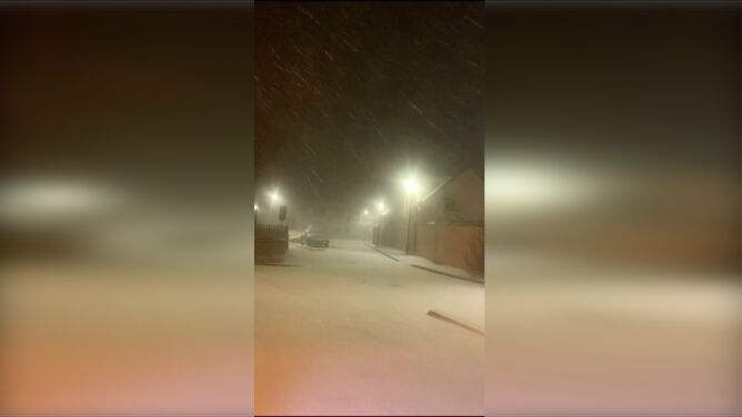 W środę rekord ciepła, w Wielkanoc śnieg. <br />Wielka Brytania też zrobiła się zimowa